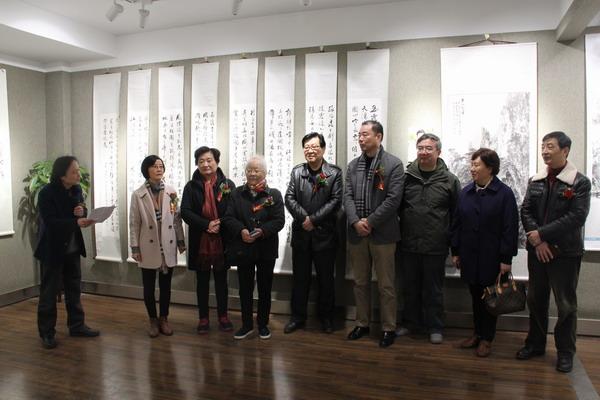 江苏民进江海书画会举办《三月蕙风——姑苏女画家三人作品展》